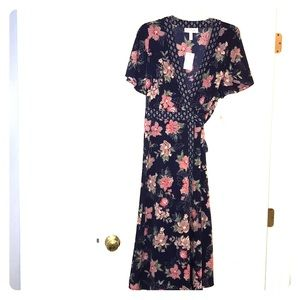 Beautiful Jessica Simpson maternity wrap dress XL